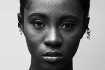 You can't stop listening to Cina Soul's 00:01