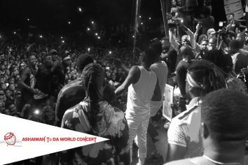 Video: Stonebwoy Squashes beef with Shatta Wale & Perform together