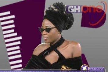 Uncontrollable tears as Efya weeps for Ebony