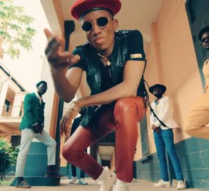 Video Premiere: Play by Kofi Kinaata