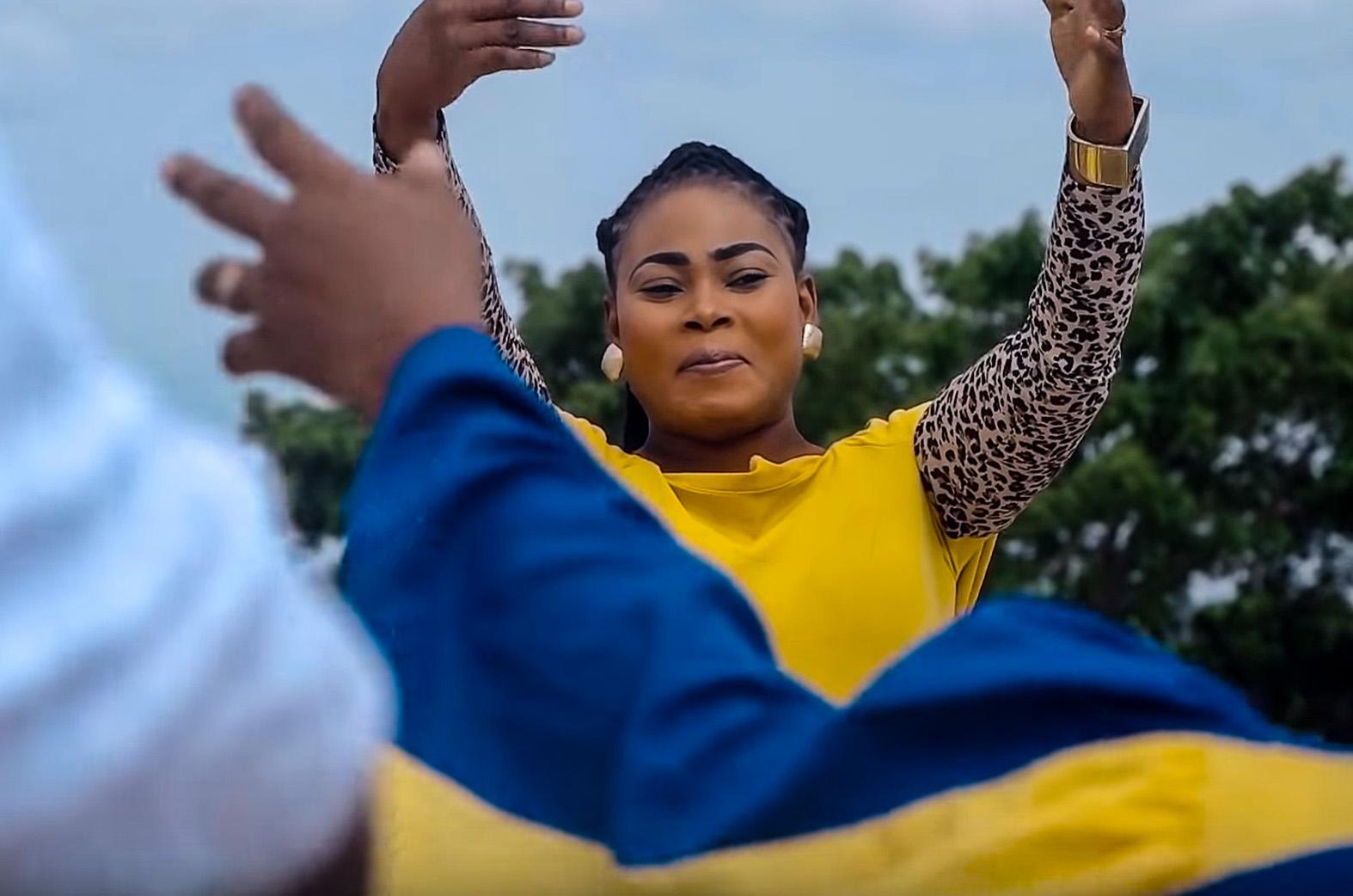 La Mia Praise by Joyce Blessing feat. Sam Cooper